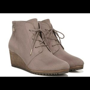 NEW Dr Scholls wedge Booties